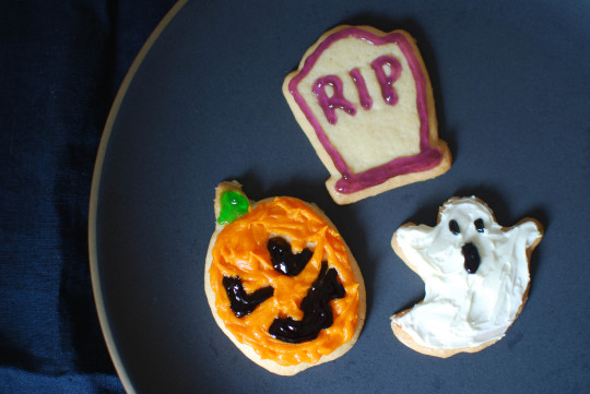 Halloween Sugar Cookies with Banner Butter